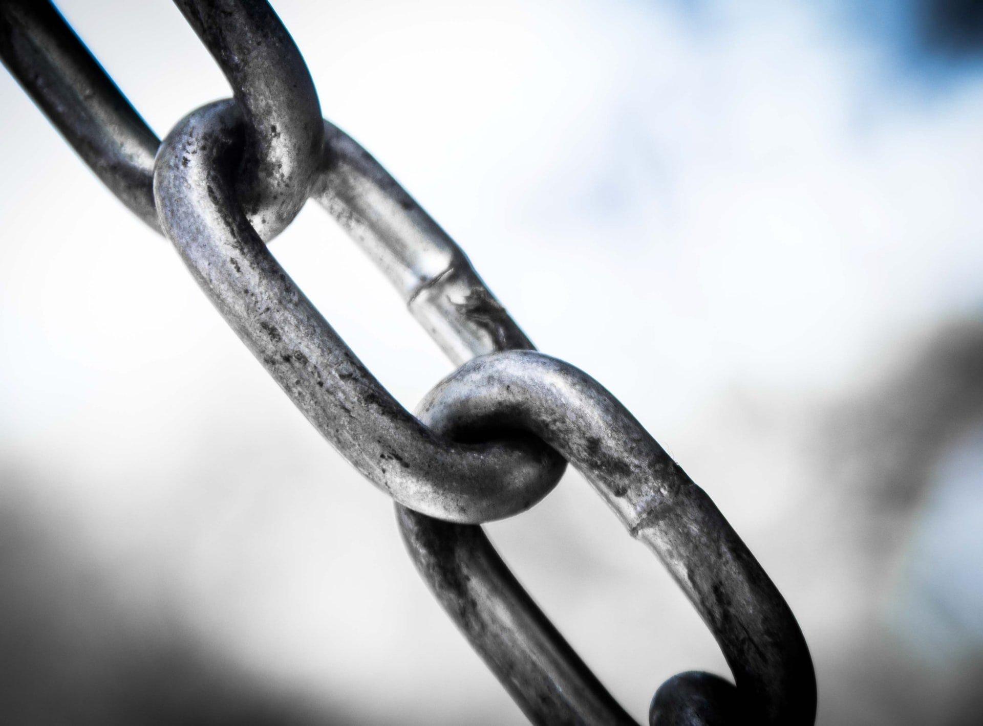 Chain links.